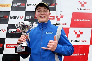 Monger, Britanya F3'teki ilk yarışında podyuma çıktı!