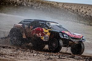 Dakar 速報ニュース サインツ、疑惑の接触事故で10分のタイムペナルティ。チームは抗議へ