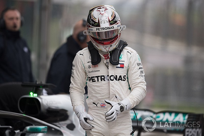 "Hamilton lamenta mau desempenho após ""desastre"" na China"