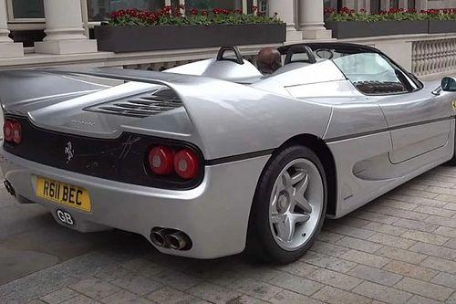 """Videó: Ez a Ferrari F50-es gyönyörű hangon """"muzsikál"""" London utcáin"""