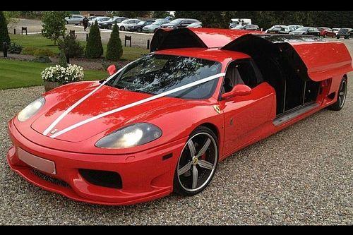 Ali di gabbiano e 8 posti: questa Ferrari 360 Modena esiste davvero