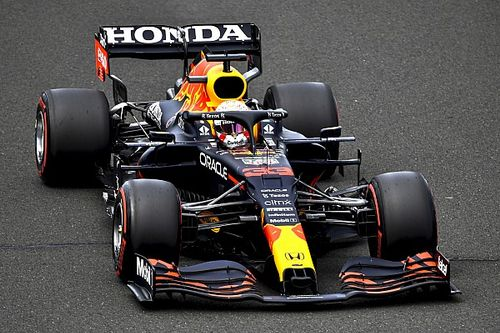 """Verstappen: """"Mercedes'i yenmek zor olacak"""""""