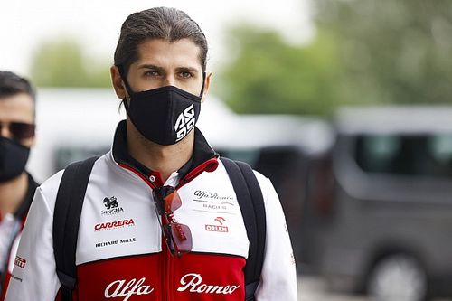 Giovinazzi: még mindig van esély az álmomra, hogy a Ferrari pilótája legyek