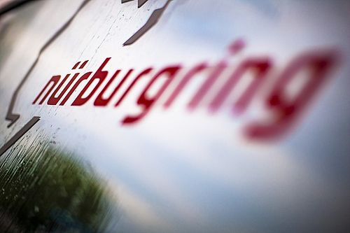 """La policía saca a un Youtuber del """"Infierno verde"""" del Nürburgring"""