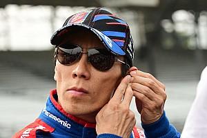 Sato faz história, supera Castroneves e vence Indy 500