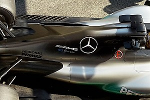 Mercedes: c'è una grande fessura sopra alla pinna da squalo!