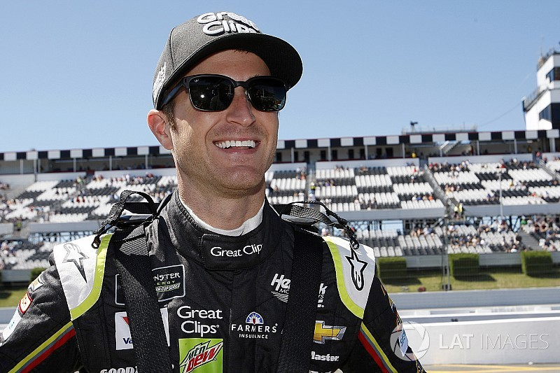 Kasey Kahne released from final year of Hendrick contract