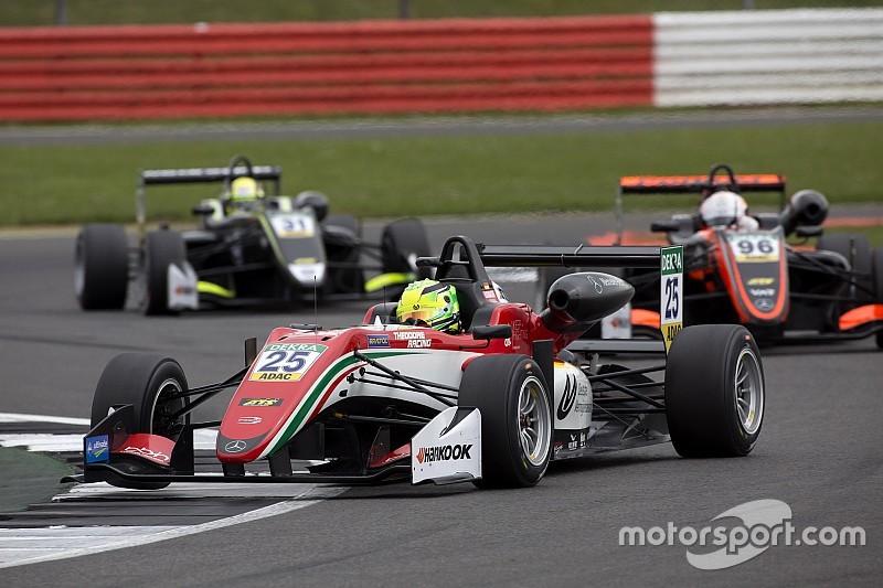 FIA F3: Schumacher egy megpördülést követően a 18. lett
