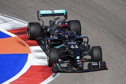 """Hamilton verbaasd door voorsprong Mercedes: """"Gevoel is vrij slecht"""""""