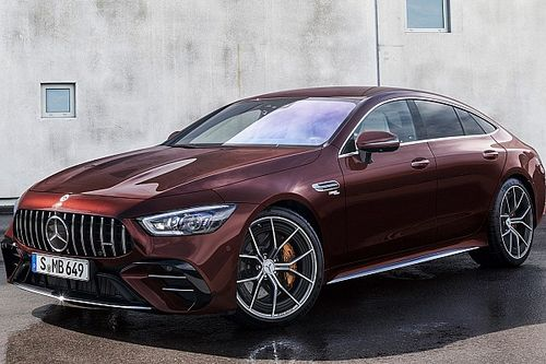 Mercedes-AMG GT Coupé4 restyling, più lusso e piacere di guida