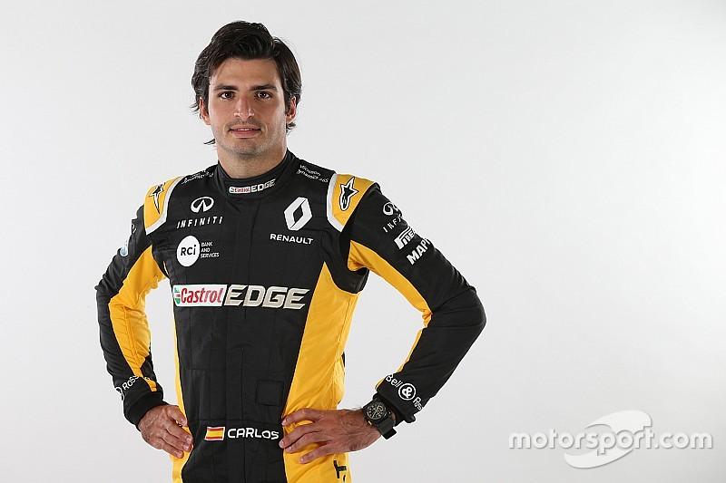 Sainz já aparece vestindo as cores da Renault