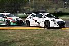 TCR Italia J. Giacon vince la volata con Scalvini nel duello Honda di Gara 1