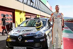 Clio Cup Italia Gara Poloni inaugura la stagione della Clio Cup Italia con una doppia pole