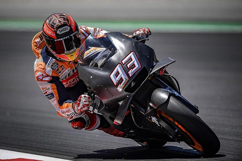 Marquez beats Iannone to top Barcelona test
