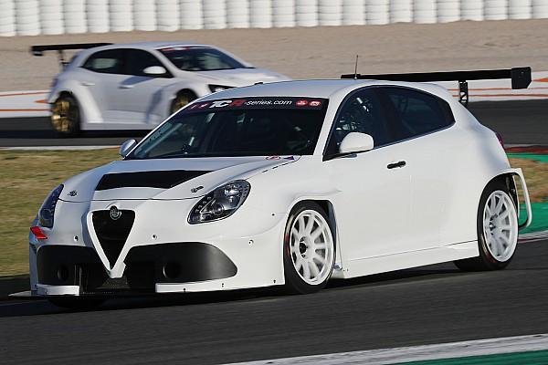 TCR Fotogallery: le auto TCR in azione ai test BoP di Valencia