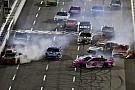 NASCAR Cup Гонка NASCAR в Мартинсвилле закончилась завалом на финише и скандалом