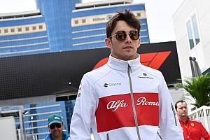 """Leclerc: """"Eleinte extrém hosszúnak tűntek az F1-es futamok"""""""