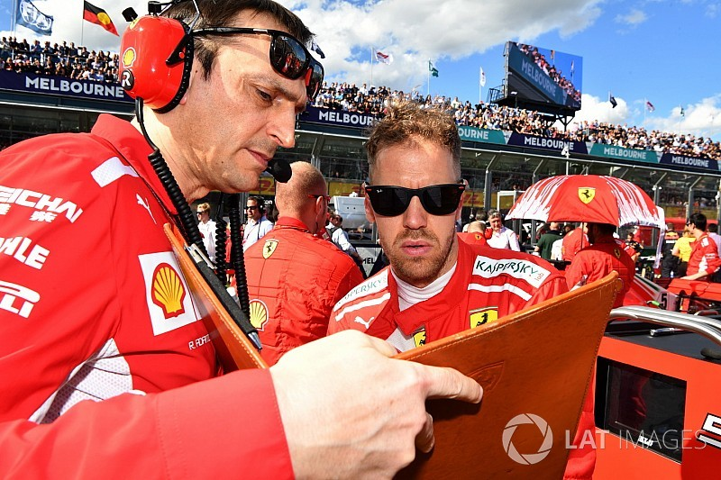 """Vettel se siente """"confundido"""" por los nuevos horarios de las carreras"""
