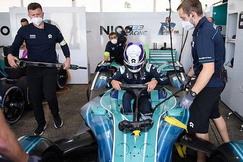 Mercedes на гонке Формулы Е одолжил соперникам механиков
