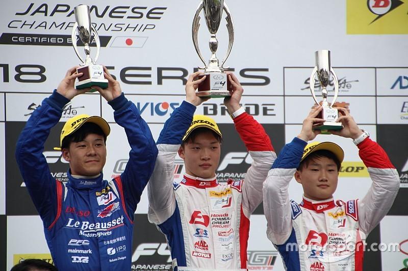 タイヤ選択大成功の佐藤蓮にまさかのペナルティ。名取鉄平が今季2勝目