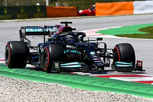 F1 Spanish GP: Hamilton beats Verstappen for 100th pole position