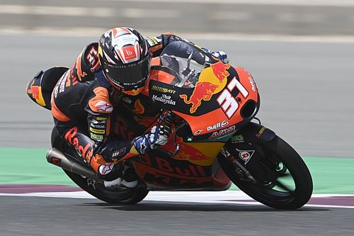 Doha Moto3: KTM's Acosta charges from pitlane to win