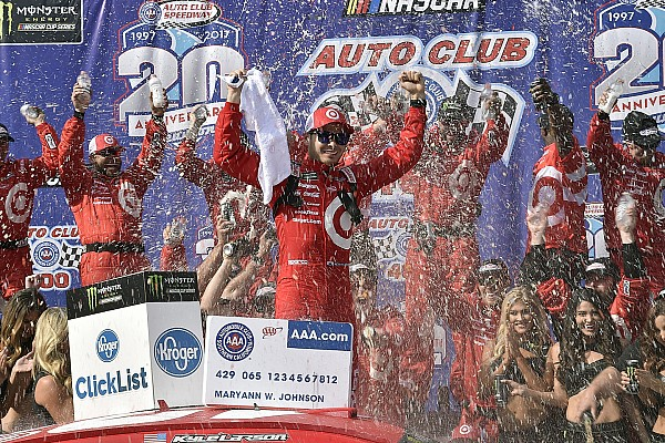 NASCAR Cup Race report Kyle Larson takes the victory in wild Auto Club 400