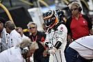Alonso avec son casque de l'Indy 500 à Austin