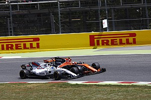 Onboard videón az Alonso-Massa incidens Barcelonából