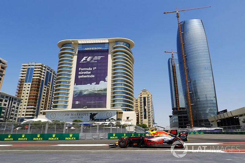 GP Azerbaijan: Duo Red Bull pimpin FP1, Verstappen tercepat