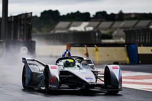 Hamilton, Formula Ford'dan bile daha yavaş olan Formula E'ye geçmeyi düşünmüyor