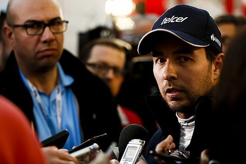 Vídeo: así pasan (y sufren) los test de COVID-19 los pilotos de F1
