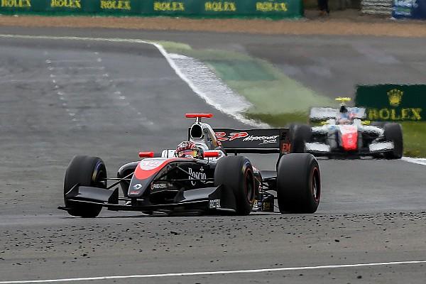 フォーミュラ・ルノー V8 3.5 【フォーミュラV8 3.5】開幕戦レース2:体調戻らず、金丸自主リタイア