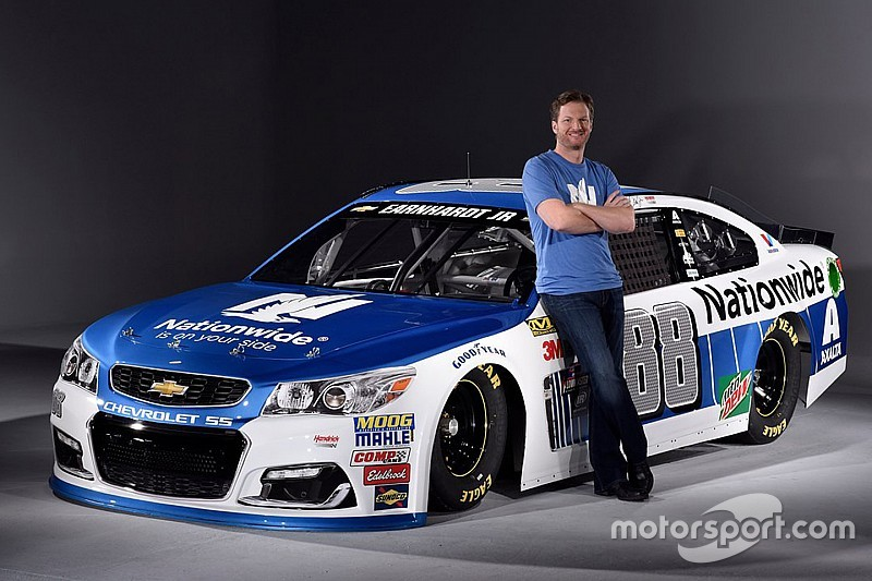 Dale earnhardt jr. Unveils new superman paint scheme | other.