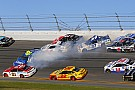 Massive pileup strikes in third stage of Daytona 500 - video