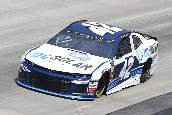 Pole-sitter Kyle Larson to start from rear at Dover; car chief ejected