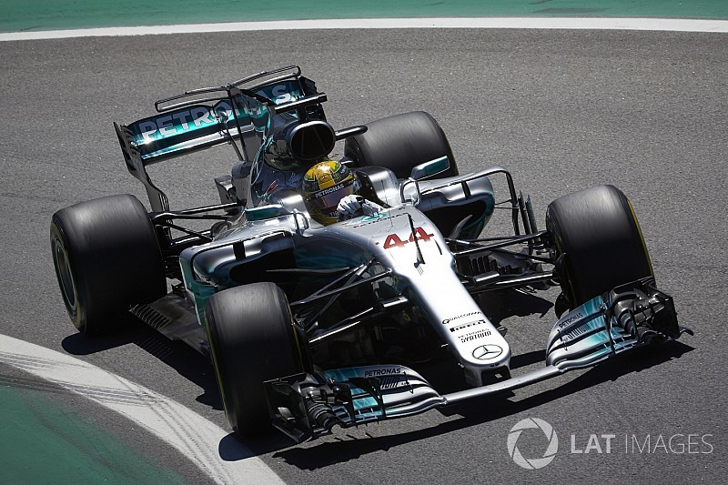 """""""Astonishing"""" Hamilton could have won in Brazil - Wolff"""