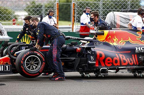 """Verstappen: """"Otra vez me sacó de la carrera un Mercedes"""""""
