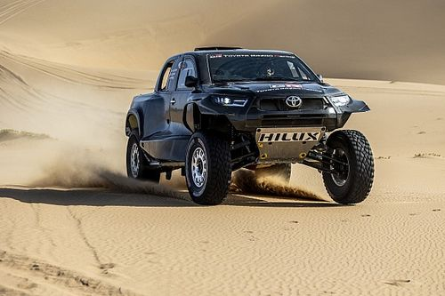 Toyota revela las primeras imágenes de su Hilux T1+ para el Dakar 2022