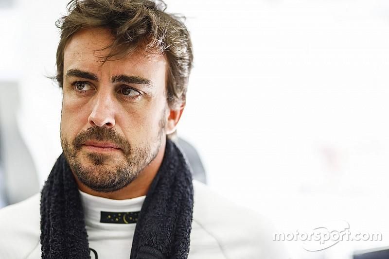 """Fernando Alonso """"corre"""" contra la violencia de género"""