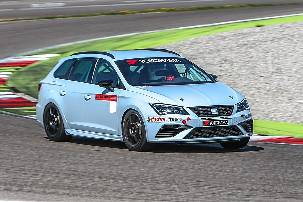 Seat Leon Cup Test Test Seat Leon ST Cupra Cup: entry level, ma di lusso