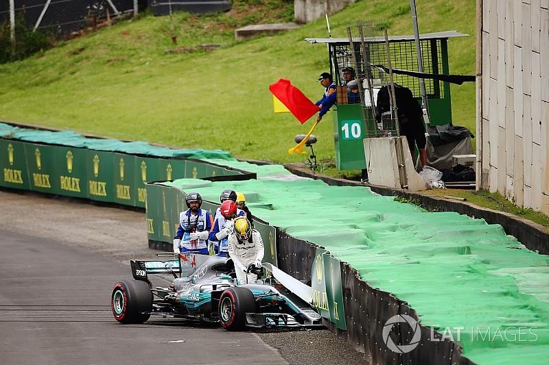 Mercedes viola parque fechado e Hamilton larga dos pits