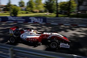 Евро Ф3 Отчет о гонке Чжоу выиграл первую гонку сезона европейской Формулы 3