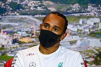 "Hamilton: ""FIA ile Mugello podyumundaki t-shirt konusunda konuşmadık"""
