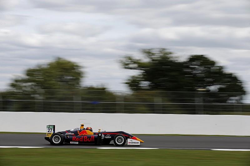 Тиктум вырвал у Фенестраза победу в гонке Формулы 3 в Сильверстоуне