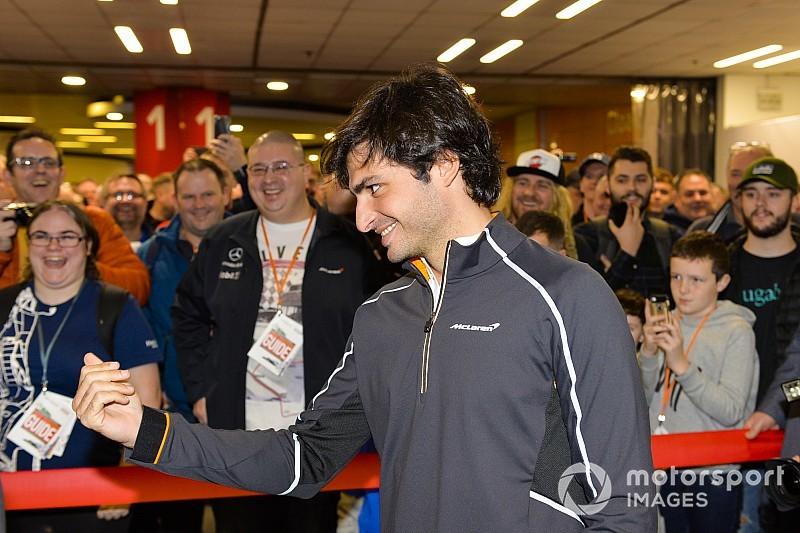 """Sainz diz que """"gostou à primeira vista"""" do que já viu de nova McLaren"""