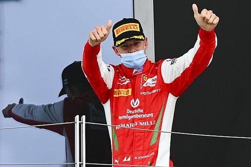 """Schumi-fan Vettel: """"Wil Mick volgend jaar zoveel mogelijk helpen"""""""