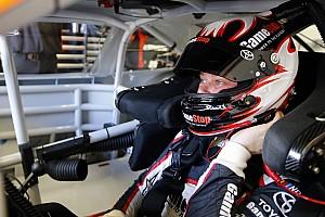 NASCAR Cup Reporte de prácticas Erik Jones lidera la última práctica en Indy y Suárez en 12º