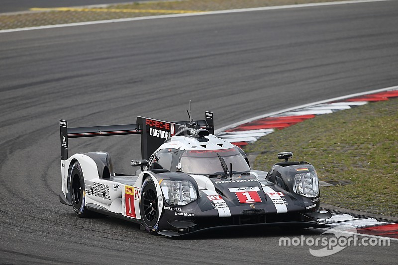 Nurburgring WEC: Porsche fastest in delayed third practice