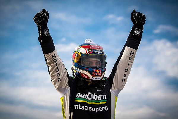 Supercars Tasmania Supercars: Lowndes wins first race in 623 days
